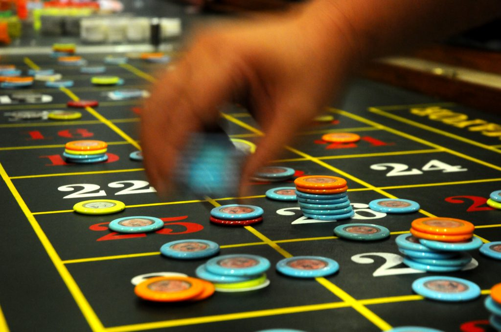 How to Beat a Casino - How Derren Brown Cheated and Beat Roulette on Live Television