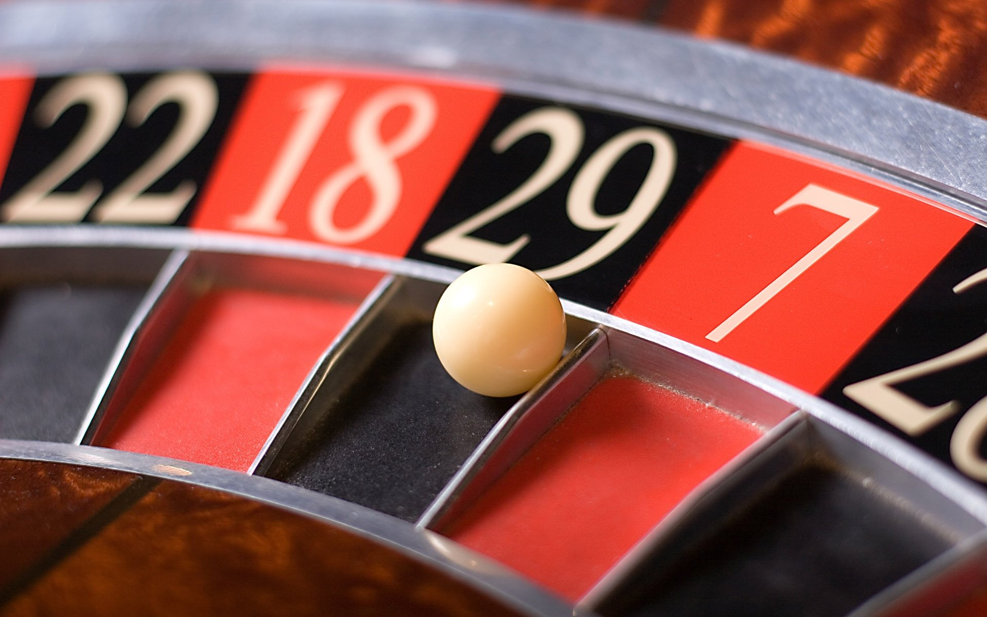 Learn All About Play & Poker At The Best Sites