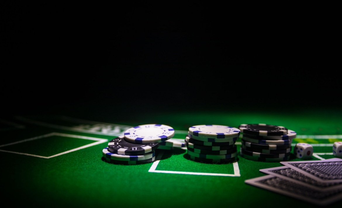 Ways that you can practice poker without staking your money